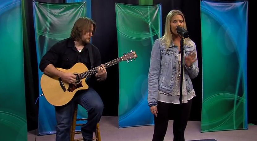 The Ashley Mitchell Band performs 'Miracles' & 'Free' – Friday, March 13, 2015