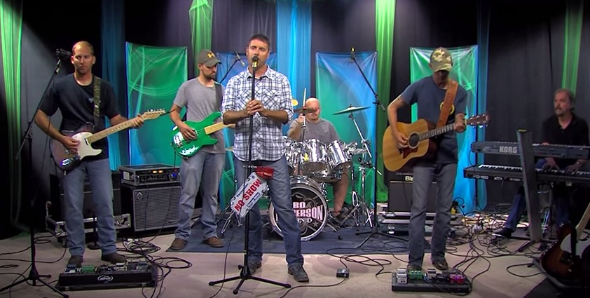 Bo Dickerson Band Sings 'Wedding Band' & 'Ain't Worth the Whiskey'