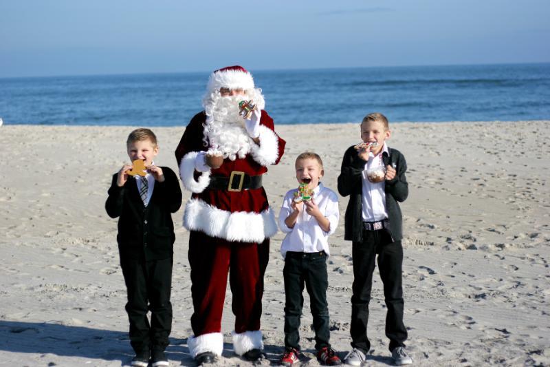 Delmarva Beach Photos Become Holiday Tradition
