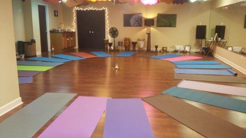 "Zenna Wellness Studio to hold ""Deck the Paws"" Kitten Yoga Session"