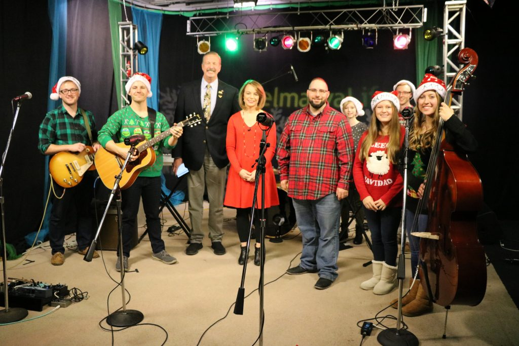 """The Keith White Duo and Oak Ridge Baptist Church Worship Team Perform """"Jingle Bell Rock"""" and """"Joy to the World"""""""