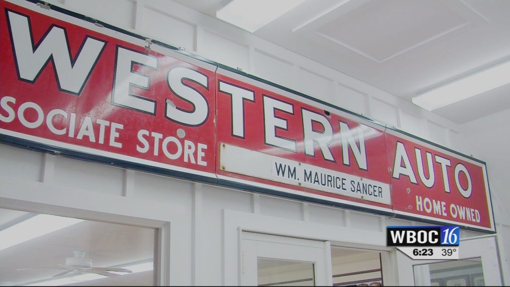 Travels With Charlie: Western Auto at Xmas
