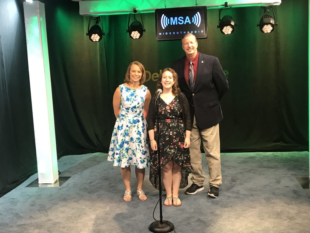 16-Year-Old Alexa Nastasi Performs on the Mid South Audio Stage