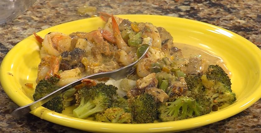 Shrimp and Grits with Ham Gravy, Riced Cauliflower, and Roasted Broccoli with Chef Daniel Mears