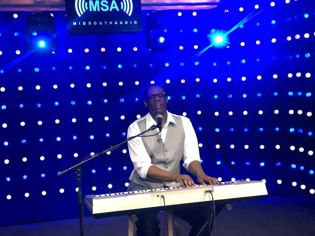 "Craig Terrell, Jr. Performs ""Georgia on My Mind"" and ""Hallelujah"""