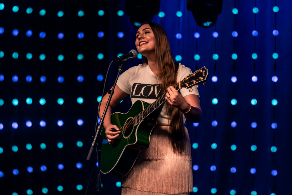 """Sarah Bernstein Performs """"Mr. Jealousy"""" and """"A Woman Like Me"""""""