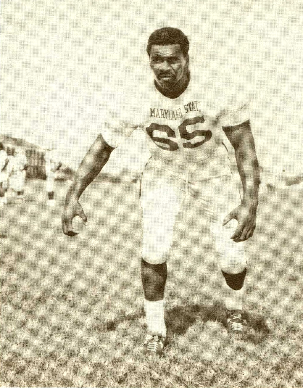 Hawks Mourn Passing of Football Great Gerald Irons