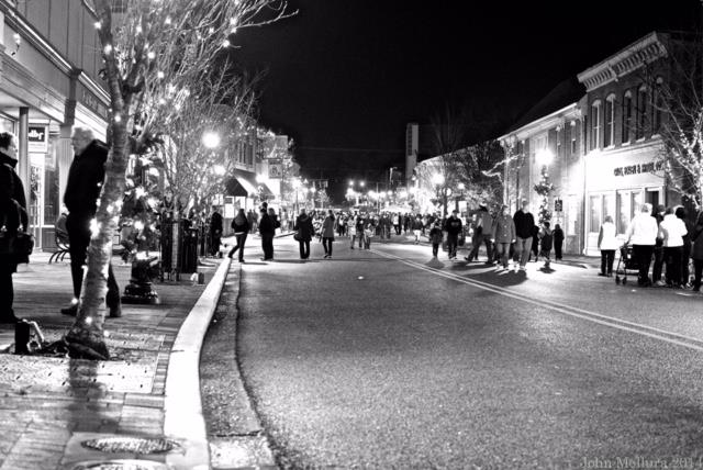 (Photo: 10th Annual Downtown Milford Holiday Stroll)